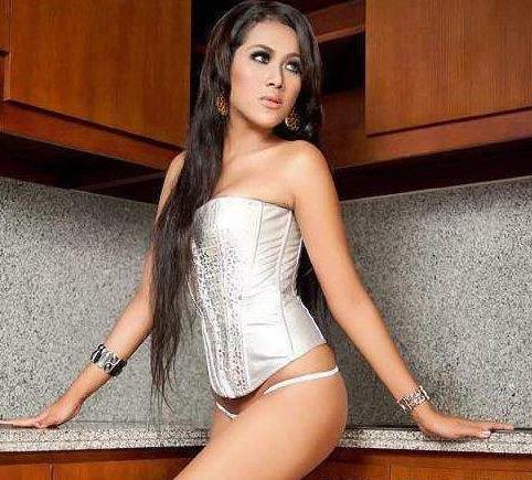 Adeline Damm - Featured Models 1