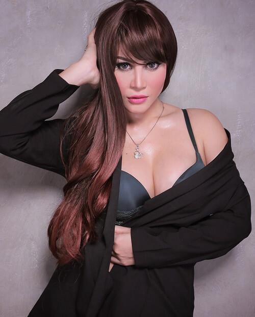 Ghea Michio | Featured Models3
